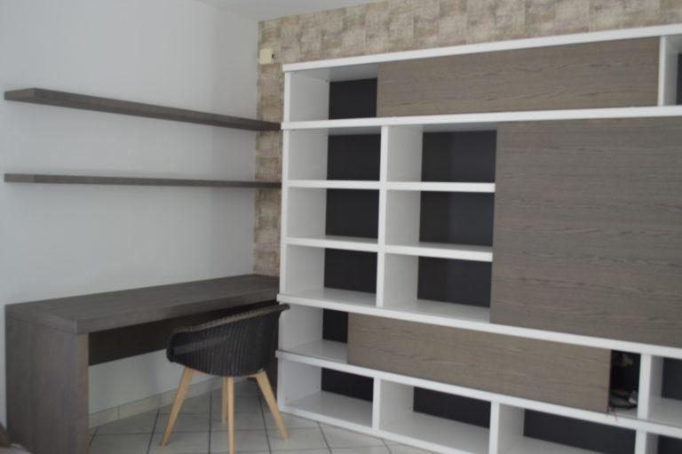 Menuiserie : construction d'une bibliothèque